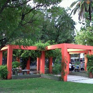 plaza_angel_gris_barrio_de_flores